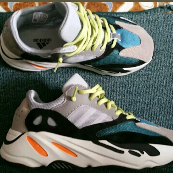 de0f1b42b Yeezy Boost 700 Wave Runner size 9.5 NEW